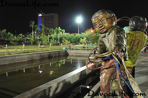 Peoples Park in Davao City - Scuptures in Interactive Fountain @DavaoLife.com