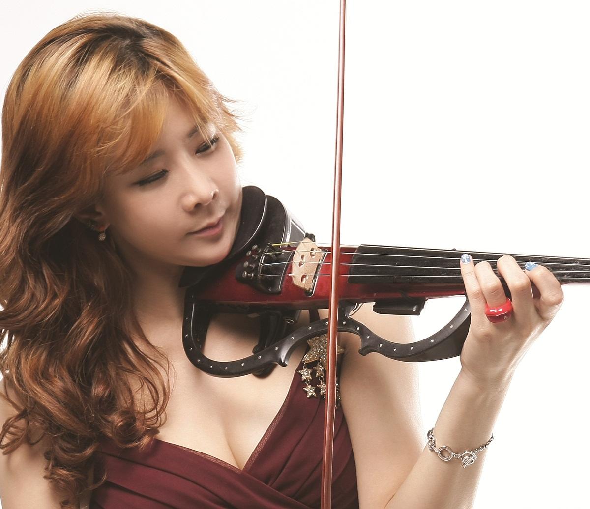 2 Eun Joo Park