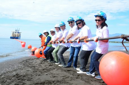 Globe Telecom Lands SEA-US Cable System in Talomo, Davao City