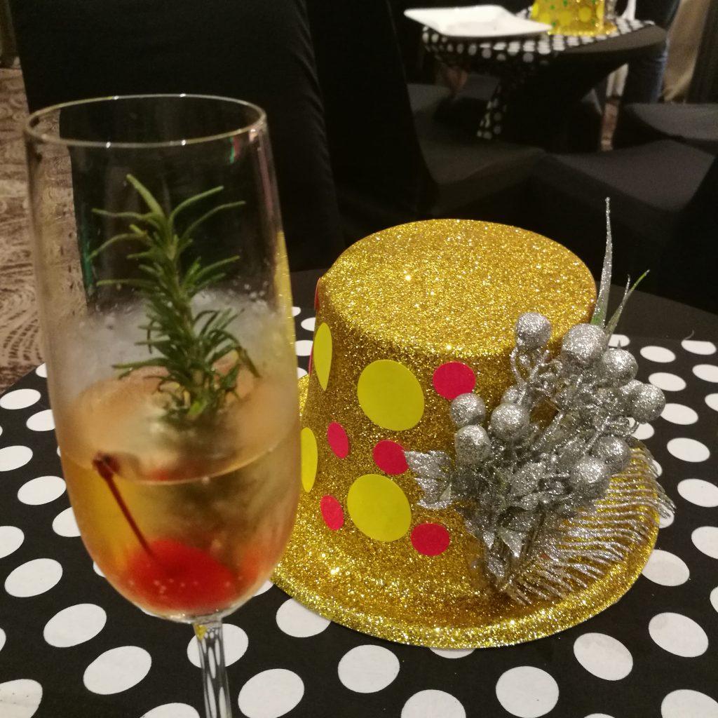 Seda Abreeza Christmas 2017 and 2018 New Year celebrations - mistletoe drink