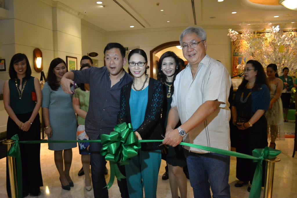 Mr. Kuo of Offsourcing Inc., GM Dottie Wurgler Cronin, Ms. Pearl Peralta Maclang and Halifax President Mr. Ramon Ledesma at the MPD 20th Anniversary Fair (15) Photo by Marco Polo Davao